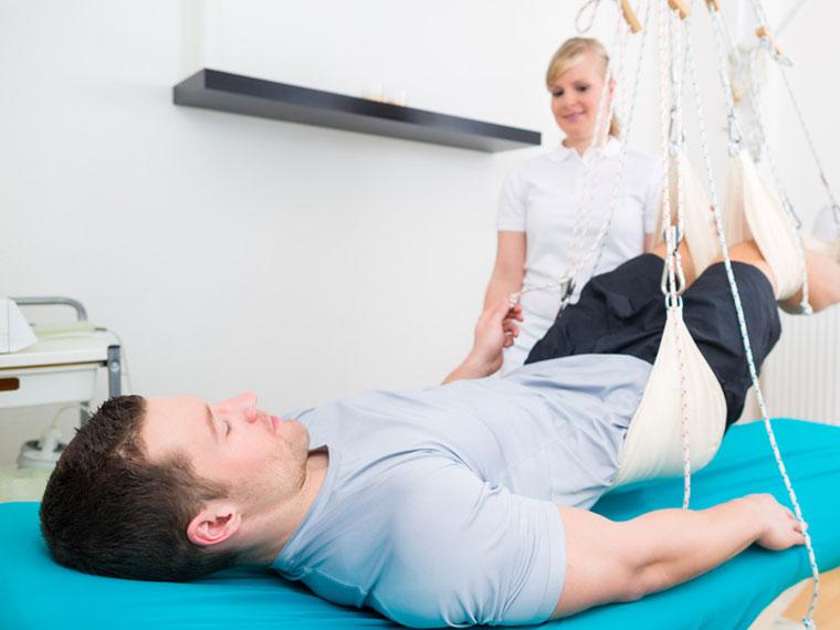 Physikalische Therapie mit Schlingentisch